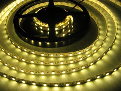 LED szalag MelegFehér kültéri 3528 120LED 9,6W 2700K IP65 2 év garancia